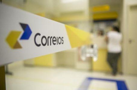 Ministro Fábio Faria comemora início do processo de privatização dos Correios