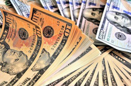 Dólar abre o dia em alta, vai a R$ 4,38 e renova maior cotação durante um pregão