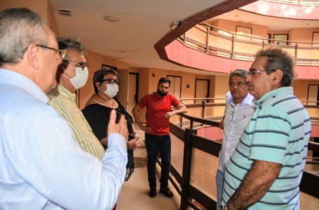 Coronavírus: Prefeitura propõe instalar hospital de campanha em hotel na Via Costeira