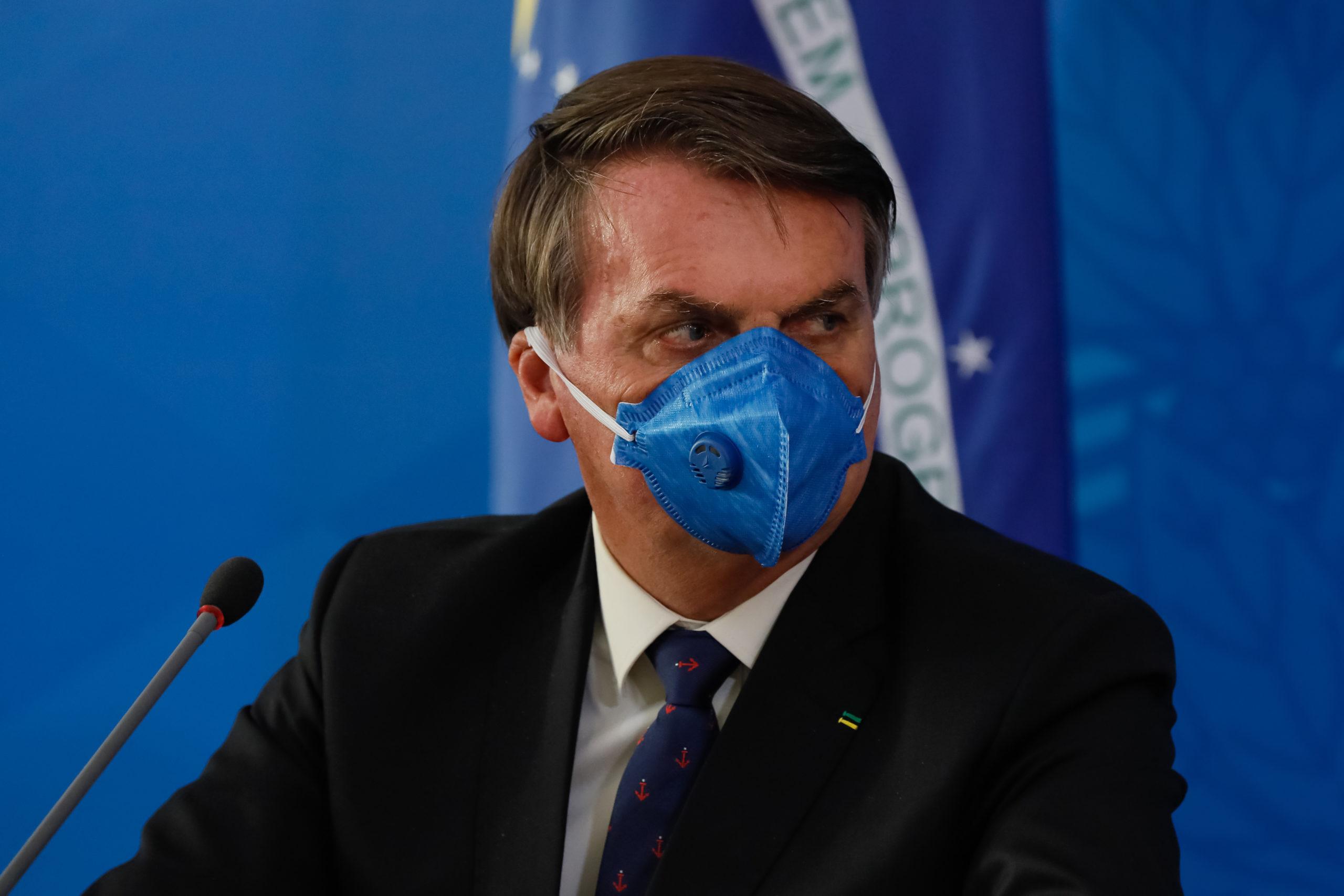 """Coronavírus: """"Estamos diante do maior desafio da nossa geração"""", diz Bolsonaro"""