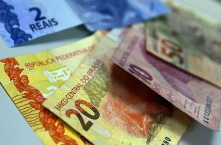 Bolsa cai 30%, e dólar sobe 16% em março com pandemia de coronavírus
