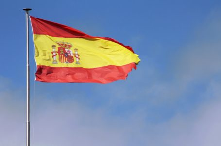Coronavírus: Espanha registra pico de 824 mortes nas últimas 24 horas