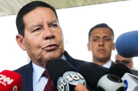 Vice-presidente Mourão diz que pânico com coronavírus não com condiz com a realidade