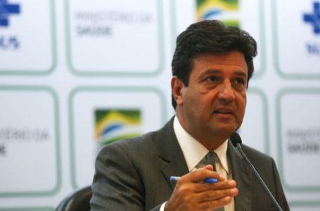 Coronavírus: Sistema de saúde pode entrar em colapso em abril, diz ministro