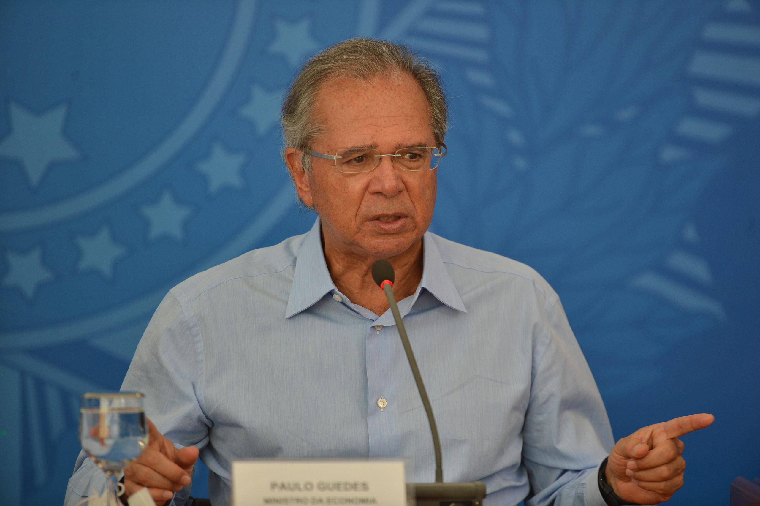 """Paulo Guedes afirma que governo """"mudou eixo da economia"""""""