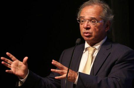 """Coronavírus: Guedes diz que governo pode """"imprimir"""" dinheiro"""