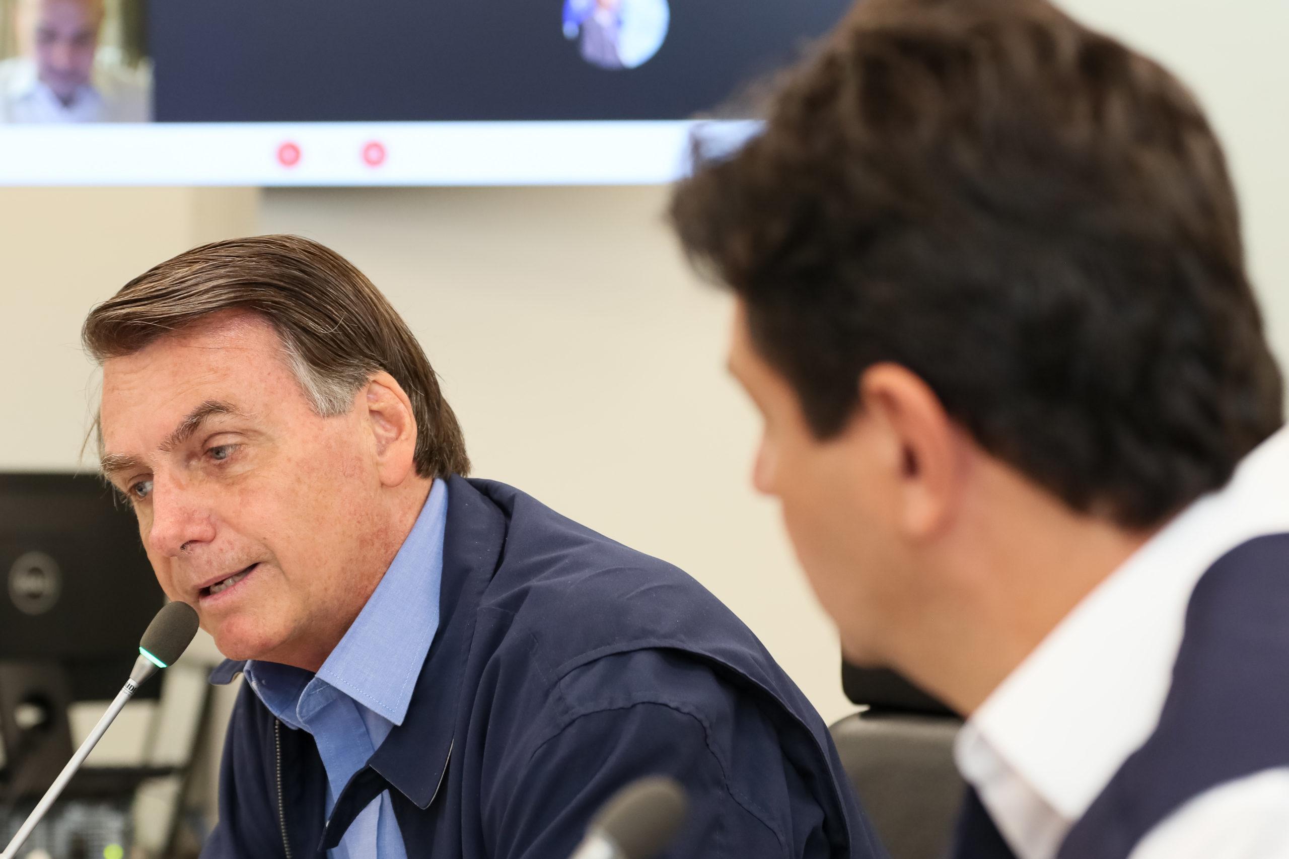 Coronavírus: Bolsonaro pede ao governo indiano apoio para viabilizar insumos farmacêuticos