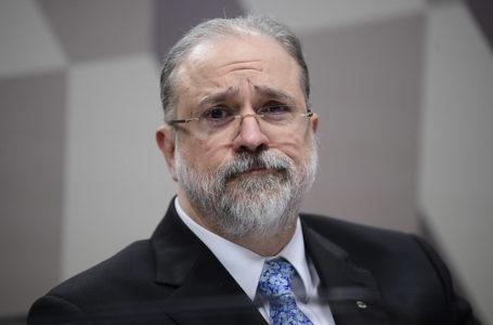 Aras pede que PF recupere registro de reunião entre Moro e Bolsonaro; PGR também quer que ministros sejam ouvidos