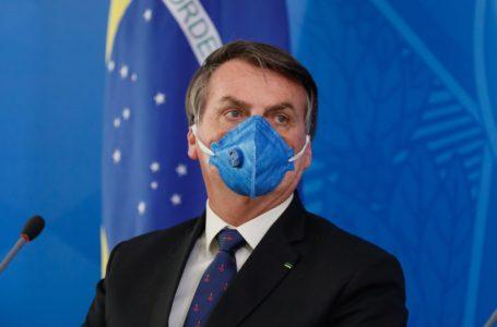 Bolsonaro defende atuação do Governo Federal e critica governadores