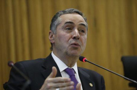 Bolsonaro não será 'perseguido' nem 'protegido' pelo TSE, diz Barroso