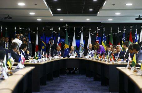 Governadores discutem pauta de reunião com presidente amanhã