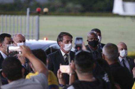 'Vai ter mais, no Brasil todo', diz Bolsonaro após operação da PF contra Witzel