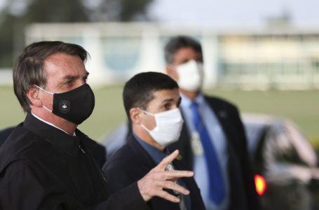 Justiça derruba decisão que determinou uso de máscara ao presidente