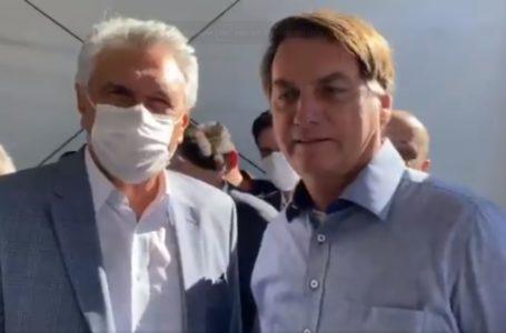 Bolsonaro inaugura hospital de campanha em Goiás