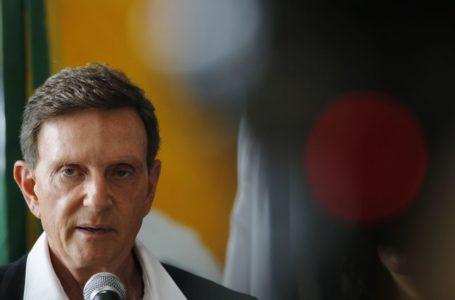 Crivella suspende Estadual, volta atrás e atende pedido de dois clubes