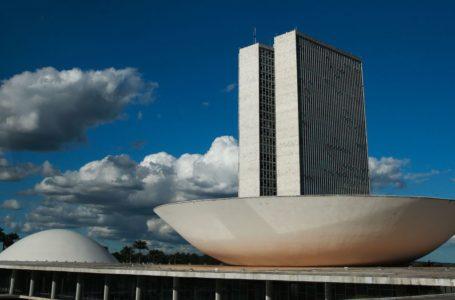 Especialistas recomendam adiar eleição para novembro ou dezembro, informa TSE ao Congresso