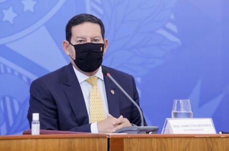 """Mourão diz que """"tudo indica"""" nova mudança no Ministério da Saúde em um """"momento próximo"""""""