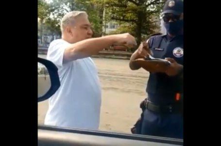 [VÍDEO]: Desembargador humilha guarda após multa por não usar máscara