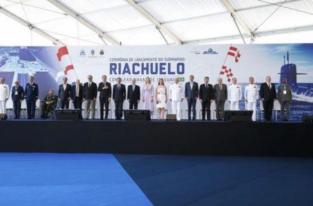 Marinha ativa Base de Submarinos da Ilha da Madeira no estado do Rio