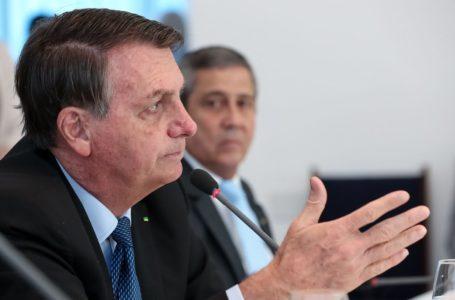 """Bolsonaro critica """"governadores que quebraram seus estados"""""""