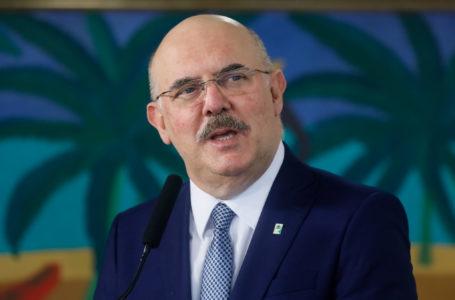 Novo ministro da Educação diz que está com coronavírus