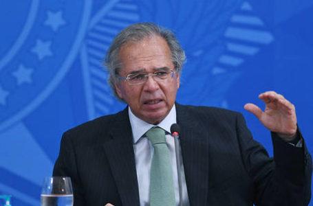 Guedes anuncia pedidos de demissão de dois secretários e vê 'debandada' na Economia