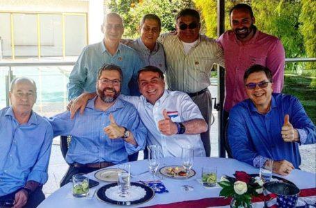Ministros que estiveram com Bolsonaro fazem testes de Covid-19 no Planalto