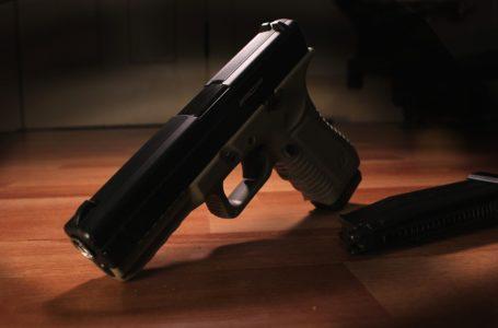 Adolescente mata amiga com tiro acidental após pegar arma do pai Cuiabá, diz PM
