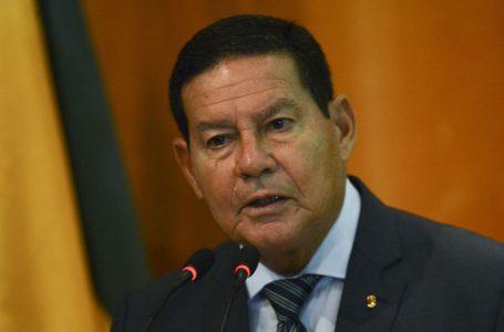 Mourão diz que considera 'justo' um imposto sobre transações eletrônicas para desonerar folha de pagamento