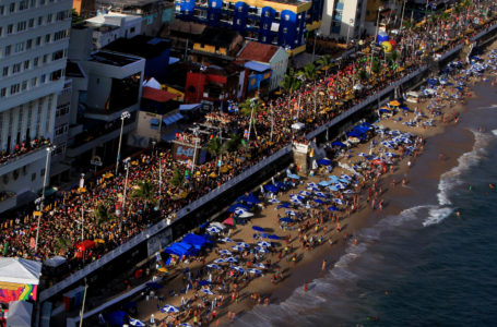 Prefeito de Salvador propõe adiar Carnaval para maio ou junho com RJ e SP