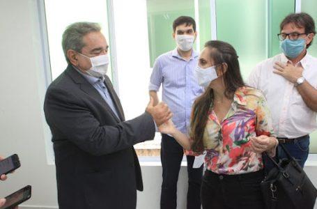 Álvaro Dias (PSDB) anuncia Aíla Ramalho Cortez como sua candidata a vice-prefeita