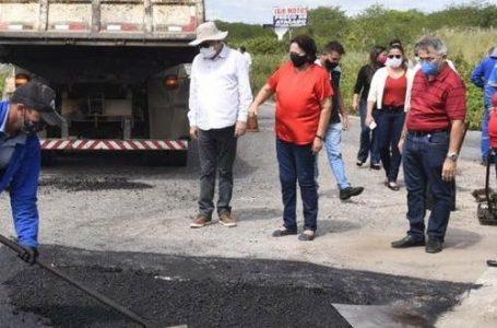 Governadora visita trecho inicial do plano de conservação de estradas, na RN-120