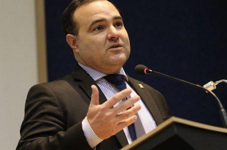 Jorge Oliveira, da Secretaria-Geral, é o 8º ministro com Covid-19