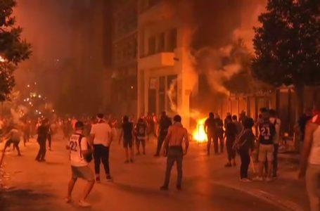 Em 2º dia de protestos no Líbano, manifestantes seguem rumo ao parlamento
