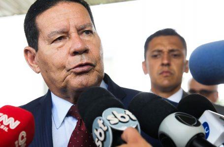 Mourão defende aprimoramento e manutenção do auxílio emergencial