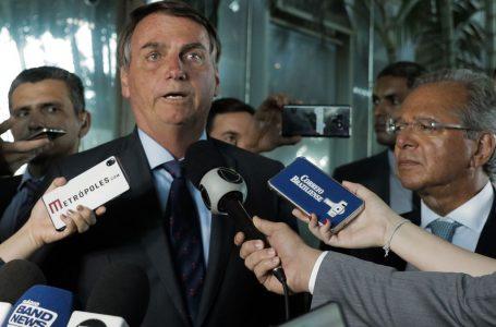 Bolsonaro critica proposta da equipe econômica e suspende criação do Renda Brasil