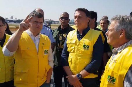 Bolsonaro participa da entrega da reforma da pista do Aeroporto de Congonhas