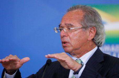 """Paulo Guedes diz que economia do país se recupera em """"V""""; entenda"""