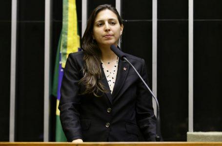 Natália Bonavides é a única do RN a votar contra novo marco regulatório do gás