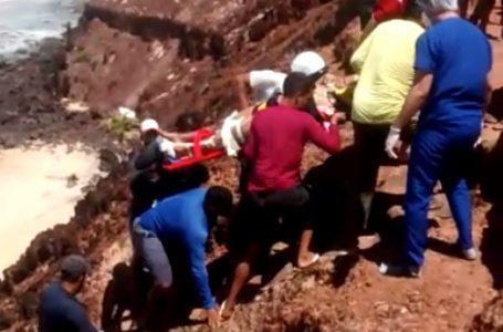 Casal cai do chapadão em Pipa durante passeio de quadriciclo