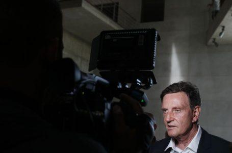 Investigação sobre suposto esquema de corrupção tem buscas no prédio de Crivella e na Prefeitura do Rio