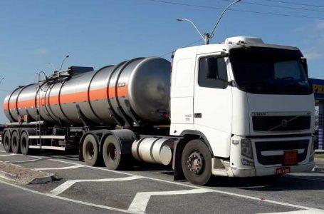 SET-RN e PRF apreendem carretas com 60 mil litros de álcool