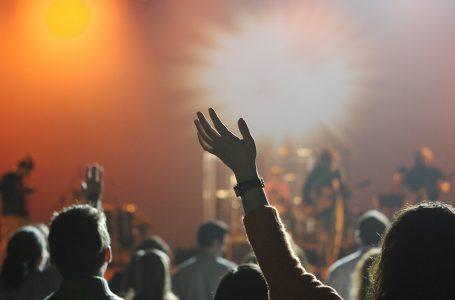 Setor cultural cobra retomada de shows, teatros e cinemas