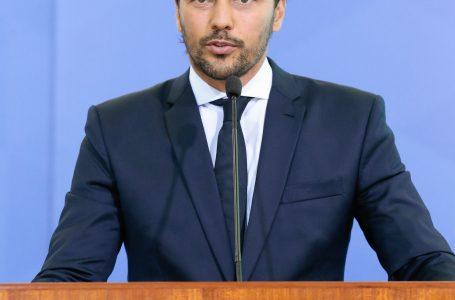 Ministro Fábio Faria diz que TV cumpre papel fundamental para população