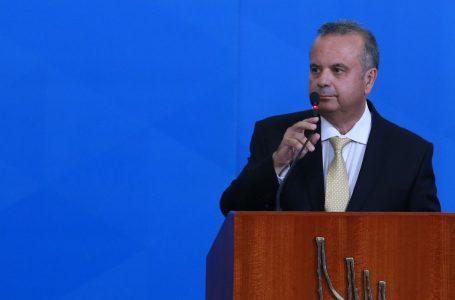 Ministro Rogério Marinho vota na Zona Sul de Natal