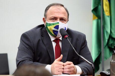 Recuperado de desidratação, ministro da Saúde recebe alta