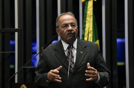 Senador Chico Rodrigues retifica pedido de licença de 90 para 121 dias