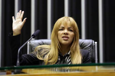 Conselho de Ética da Câmara vai analisar caso da deputada Flordelis nesta terça-feira