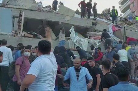 Forte terremoto abala Turquia e Grécia e provoca mortes