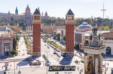 Espanha decreta novo estado de emergência e Itália endurece regras em luta contra covid-19